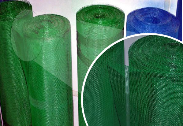 Vinyl Coated Polyester Mesh Screen Keeping Pets